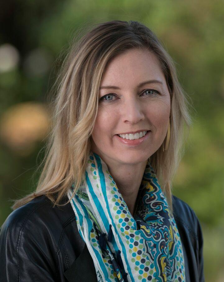 Elizabeth Doyle, REALTOR® in Los Gatos, Sereno