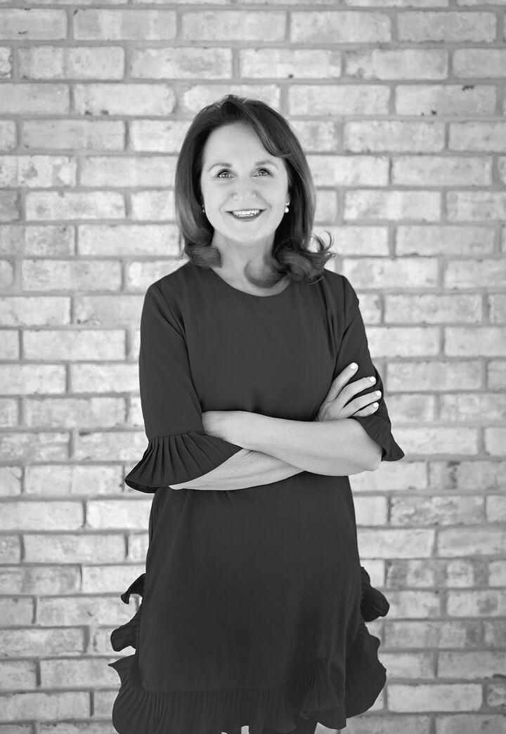 Roxanne Gordon, Sales Associate in Providence, Mott & Chace Sotheby's International Realty