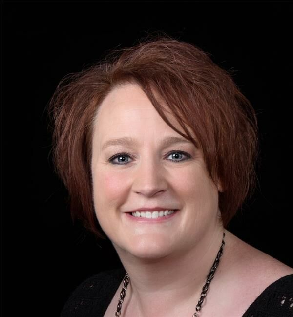 Amber Everest, Associate Broker in Lafayette, BHHS Indiana Realty