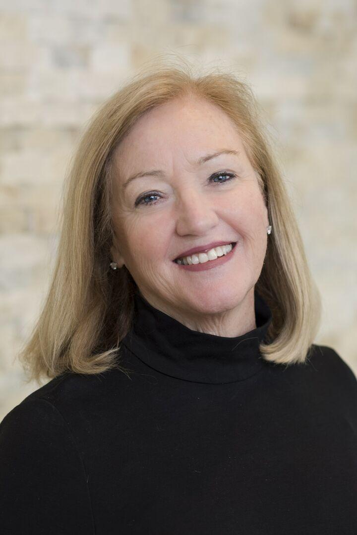 Monica VanDeventer, Broker Associate in Barrington, Mott & Chace Sotheby's International Realty
