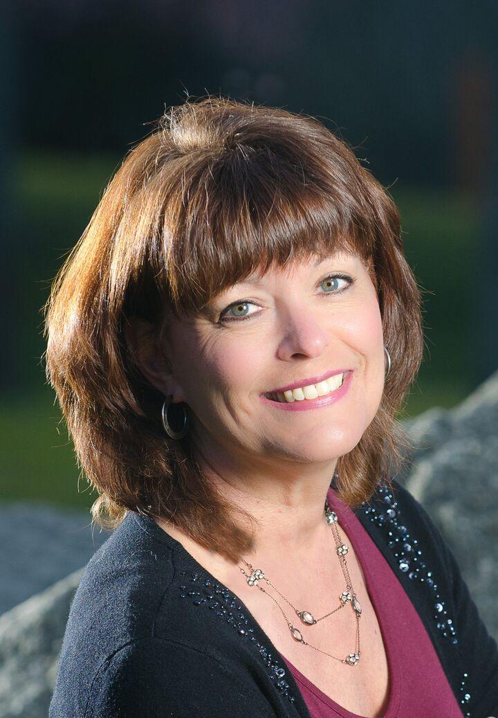 Debbie Nitsche
