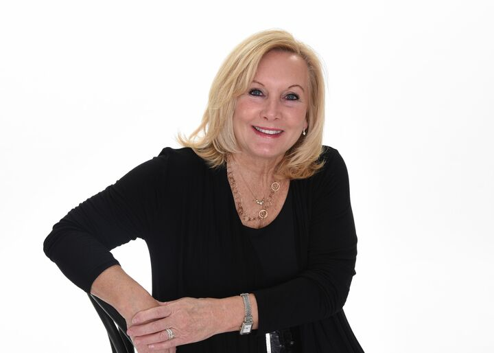 Edwinia Thanas, Real Estate Broker in Anderson, BHHS Indiana Realty