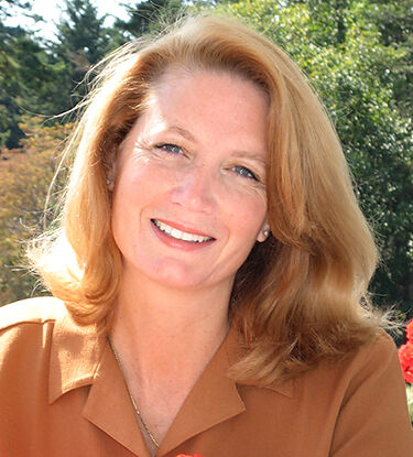 Deborah West Hansen, Managing Broker in Eastsound, Windermere