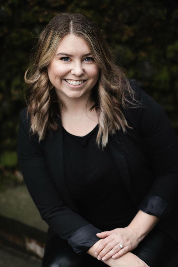 Kaylie Shults,  in Portland, Windermere