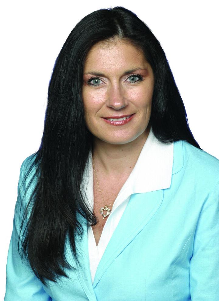 Laurie Taylor,  in Simi Valley, Pinnacle Estate Properties
