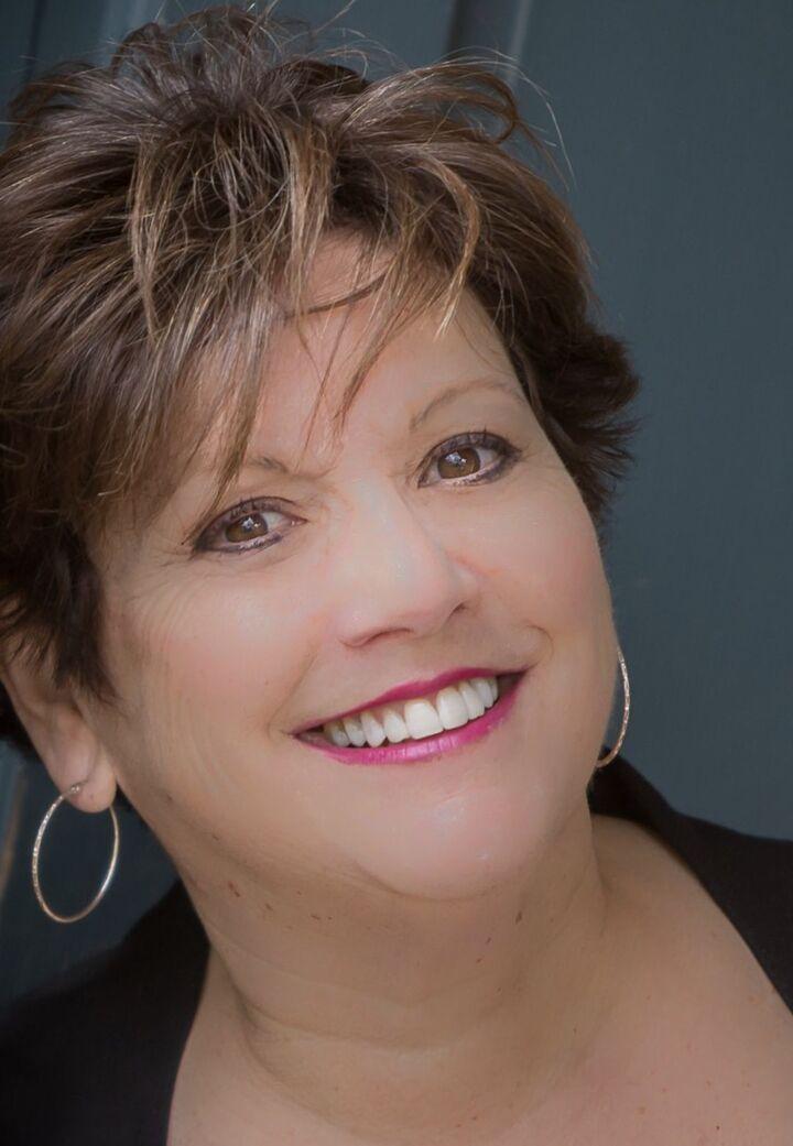 Linda Supron, Broker Associate in Narragansett, Mott & Chace Sotheby's International Realty