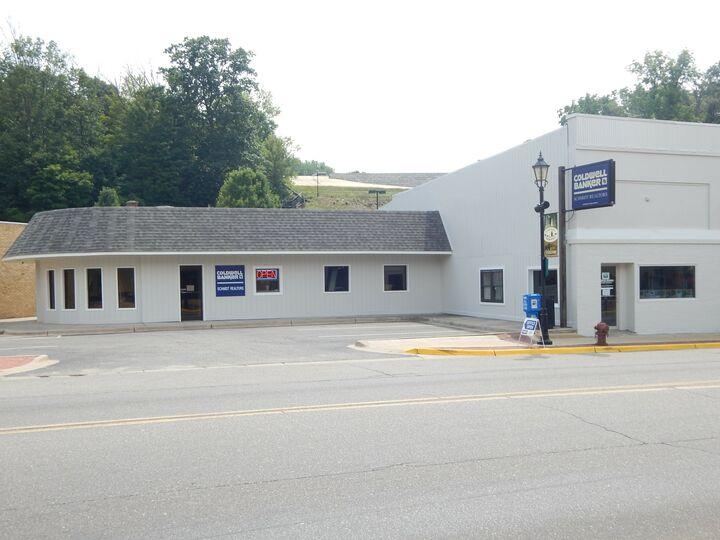 Coldwell Banker Schmidt Realtors - Newaygo, Newaygo, Schmidt Real Estate